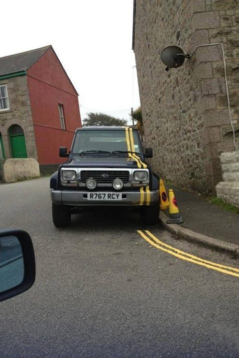 Dont Park Under The Yellow Lines