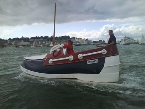 http://yamadonkey.files.wordpress.com/2014/09/the-shoe-boat.jpg